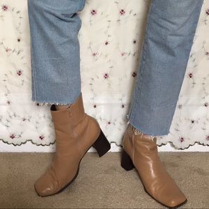 Vintage Nine West Square Toe Leather Booties